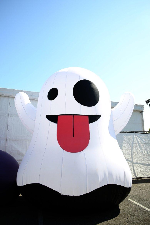 001+-+Ghost+Day[1].jpg